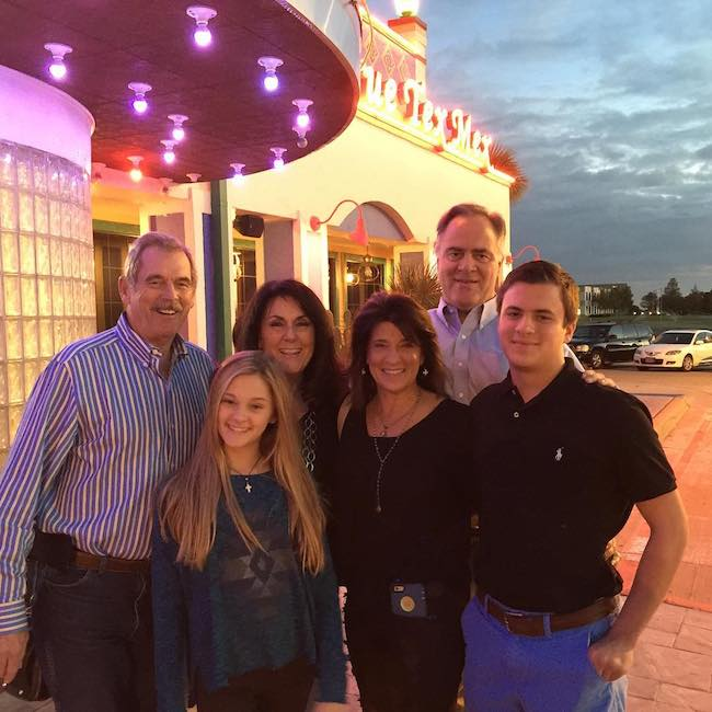 Lizzy Greene's dinner with family in Dallas, Texas in October 2015. From extreme right (Lizzy's brother), second from right (Lizzy's Mother), at the back (Lizzy's Father)
