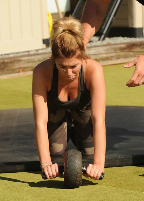 Olivia Buckland ab outdoor workout using a roller