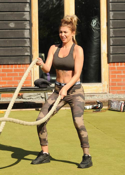 Olivia Buckland battle rope workout
