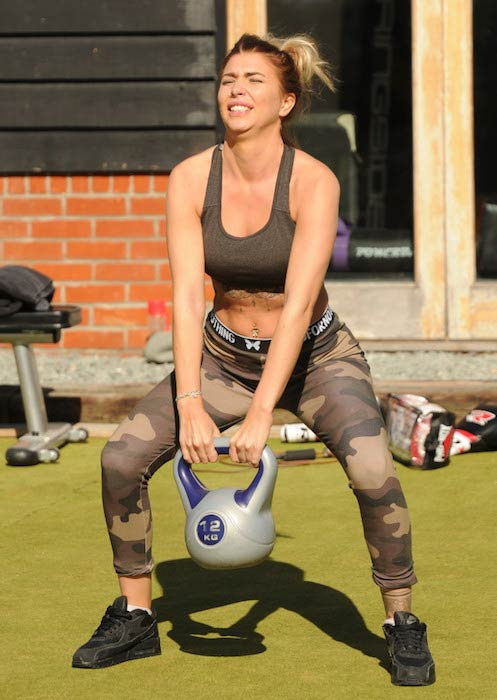 Olivia Buckland kettlebell outdoor workout