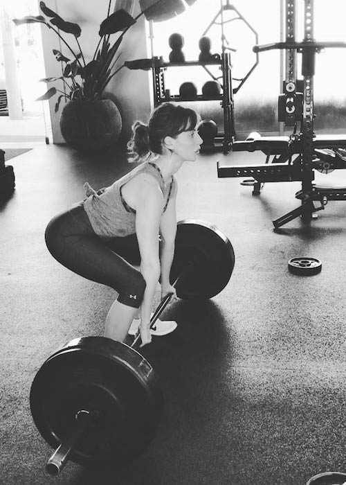 Alison Brie doing deadlifts for back