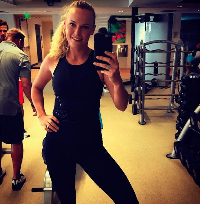 Caroline Wozniacki gym selfie