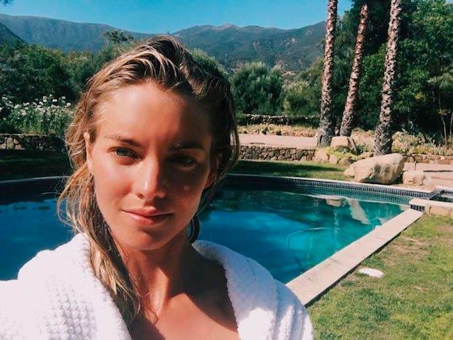 Elyse Taylor swimming pool selfie