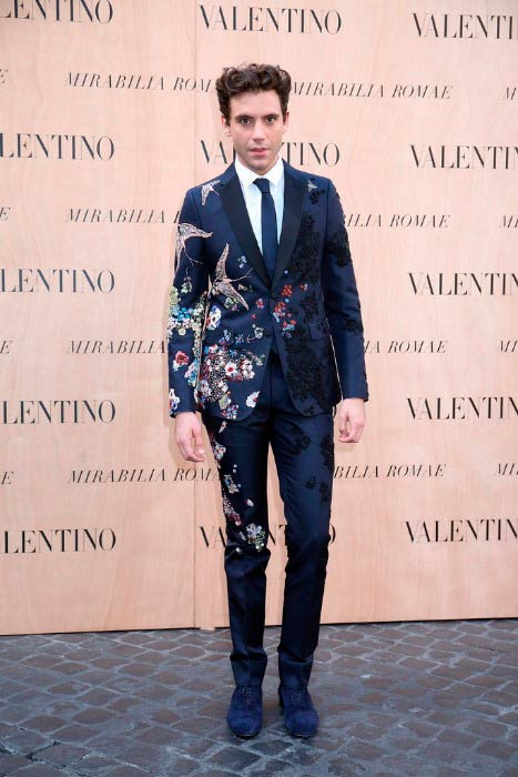 Mika at the Valentino 'Mirabilia Romae' haute couture collection in July 2015 in Rome
