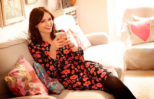Sophie Ellis-Bextor having coffee
