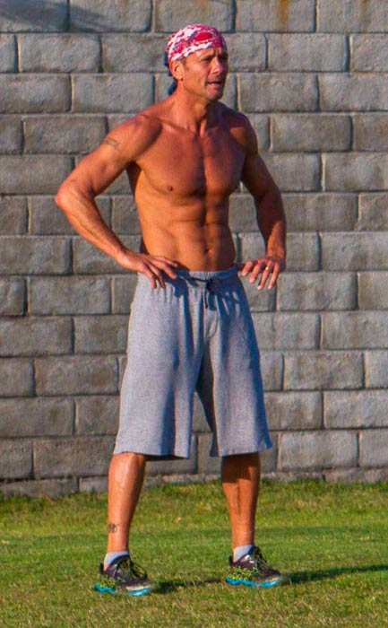 Tim McGraw working out in San Diego in May 2015