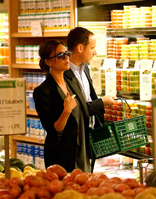 Victoria Beckham food shopping at Whole Foods