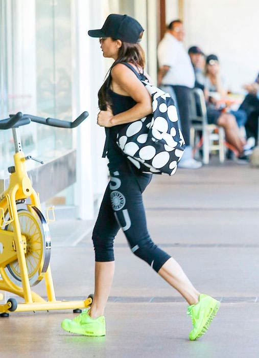 Victoria Beckham in her leggings heading for a workout session