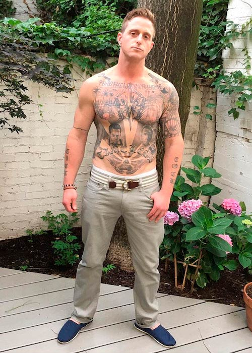 Alan Tudyk shirtless body as seen in August 2016