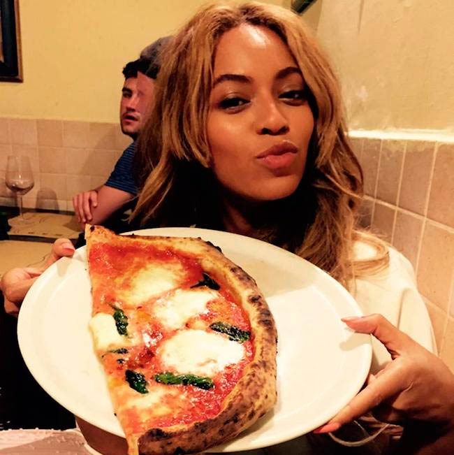 Beyonce showing her food plate