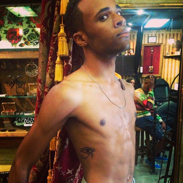 Khylin Rhambo shirtless in a picture shared on his Instagram in July 2014