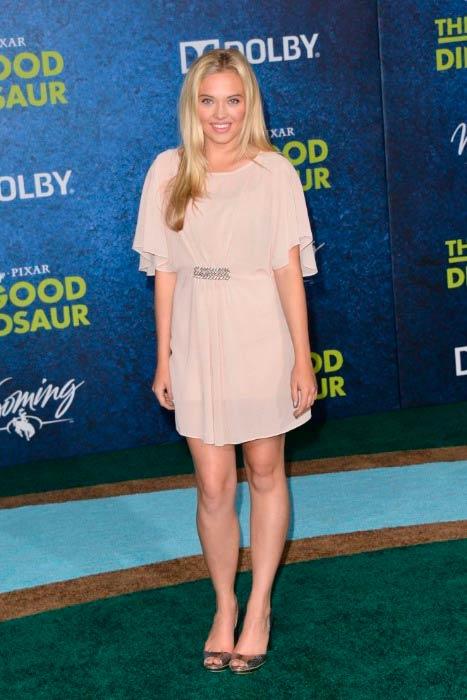 Lauren Taylor at The Good Dinosaur premiere in November 2015