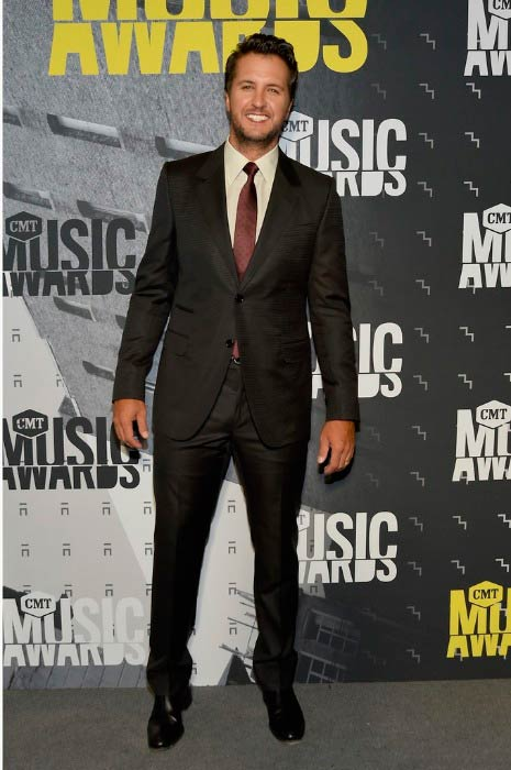Luke Bryan at the CMT Music Awards in June 2017