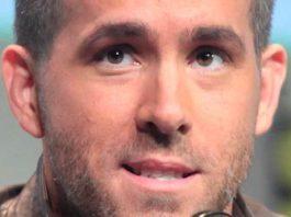Ryan Reynolds at 2015 San Diego Comic Con International
