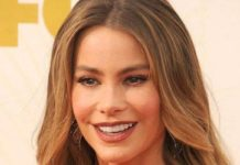 Sofia Vergara at 2015 Emmy Awards