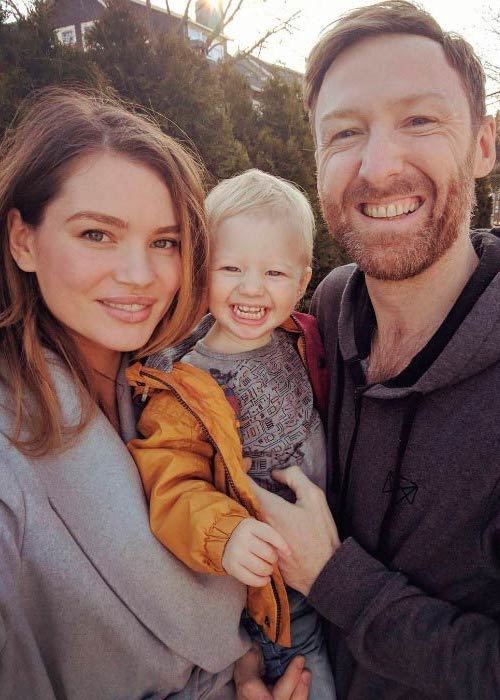 Tara Lynn and Alejandro with their son Finlay Skye Bell in a picture shared on her Instagram in March 2017