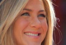 Jennifer Aniston at Hollywood Walk of Fame ceremony in 2012