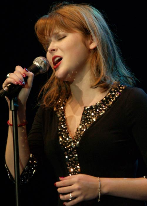 Renee Olstead performing at 2008 Java Jazz Festival in Jakarta