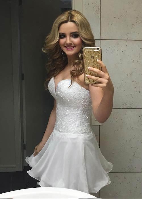 Victoria Vida in an Instagram selfie in December 2016