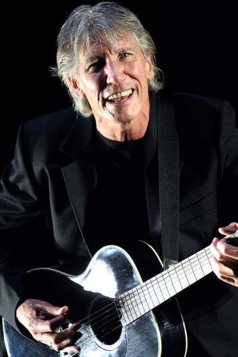 Roger Waters performing at Morumbi Stadium, Brazil in March 2007