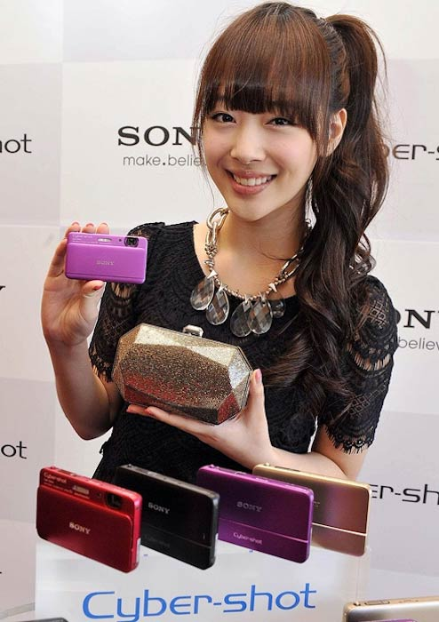 Sulli at DSC TX55 picture event in September 2011