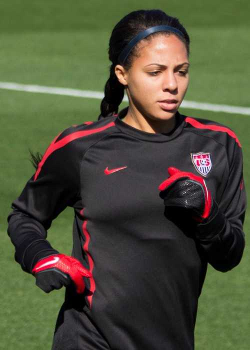 Sydney Leroux Warming Up in Texas in 2012