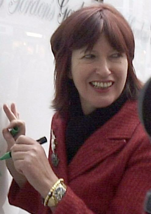 Janet Street-Porter at Victoria Station in 2005