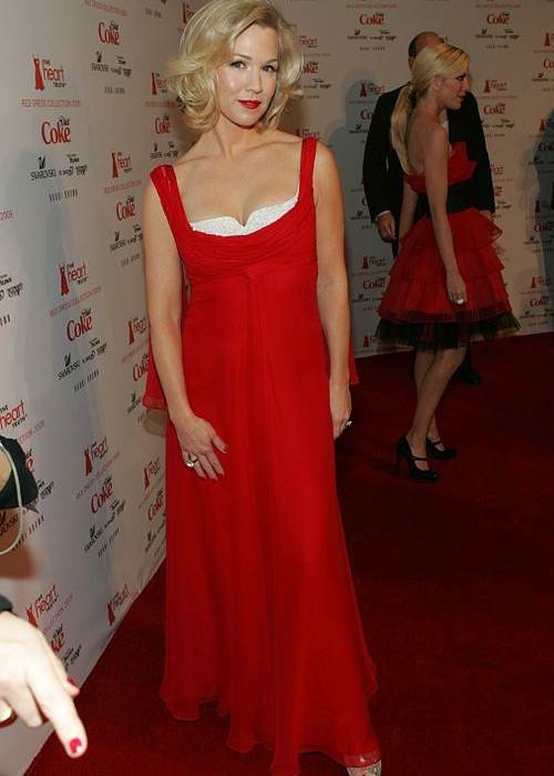 Jennie Garth at The Heart Truth's Red Dress Collection Fashion Show in 2009