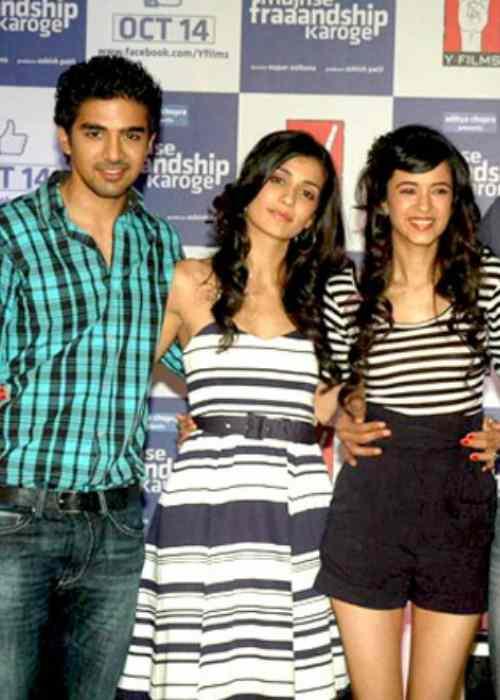 Saqib Saleem (Right) with the cast of Mujhse Fraandship Karoge in 2011