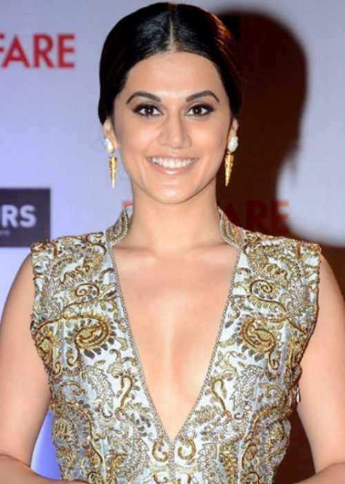 Taapsee Pannu at the Filmfare Awards 2016