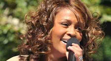 Whitney Houston Height, Weight, Age, Body Statistics