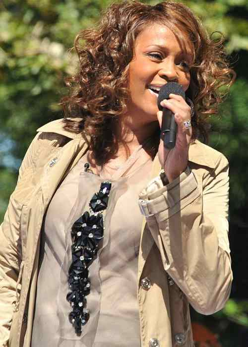 Whitney Houston performing on GMA in 2009
