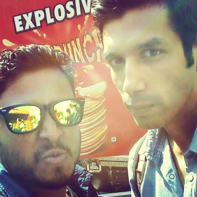 Abish Mathew (Left) and Kanan Gill in an Instagram selfie in December 2014