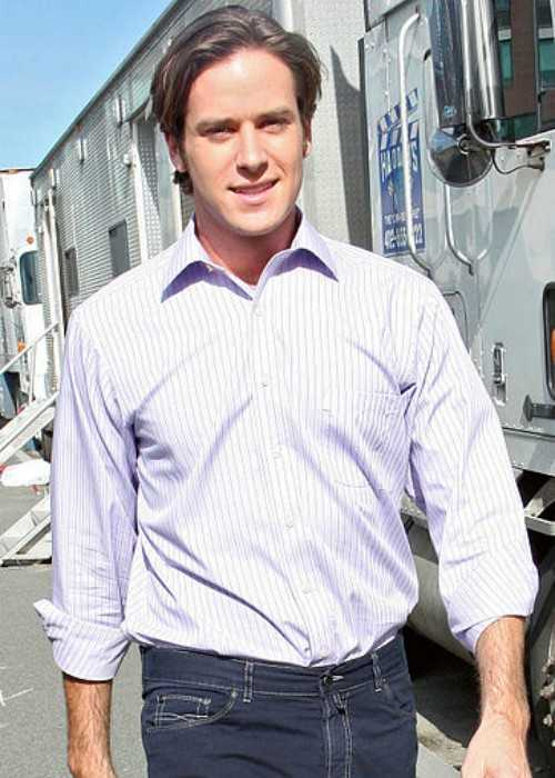 Armie Hammer on location of the TV show Gossip Girl in Long Island City