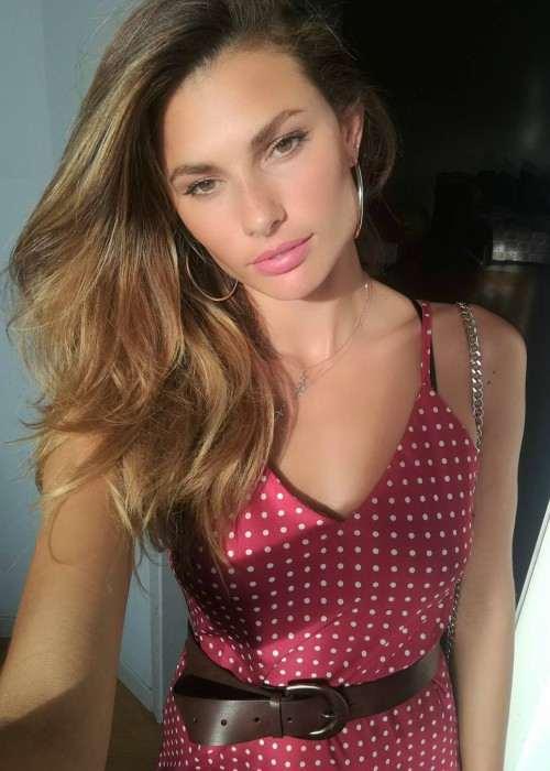 Dayane Mello in an Instagram selfie as seen in June 2017
