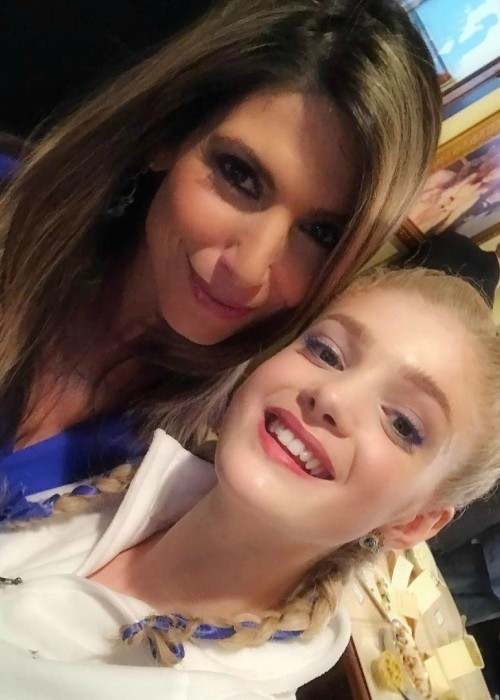 Elena Kampouris (Right) and Nicole Petallides in an Instagram selfie in March 2017