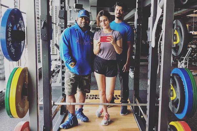 Fatima Sana Shaikh workout selfie with her trainer Rakesh Udiyar (Left) on December 31, 2017