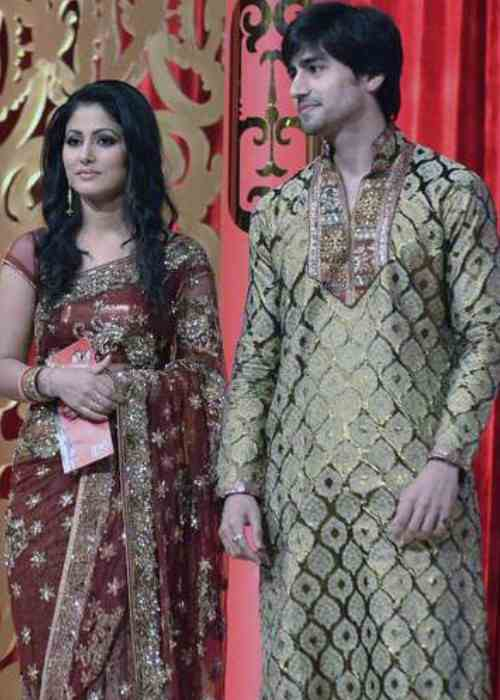 Hina Khan and Harshad Chopra at Star Pariwar Award in February 2011