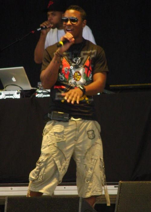Jeremih performing in a concert on August 5, 2009