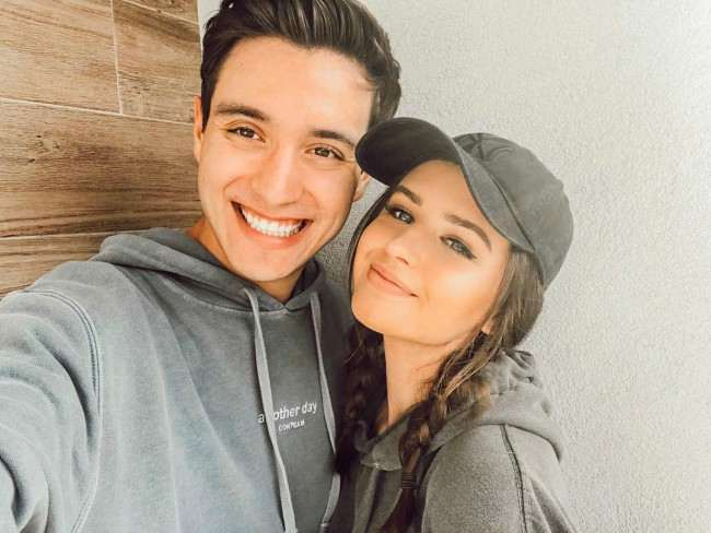 Jess Conte and Gabriel Conte in a selfie in January 2018