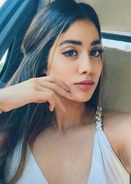 Jhanvi Kapoor in an Instagram selfie as seen in July 2017