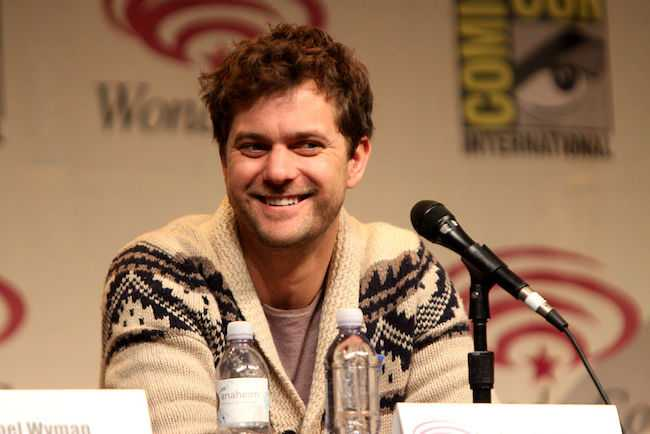 Joshua Jackson speaking at 2012 WonderCon