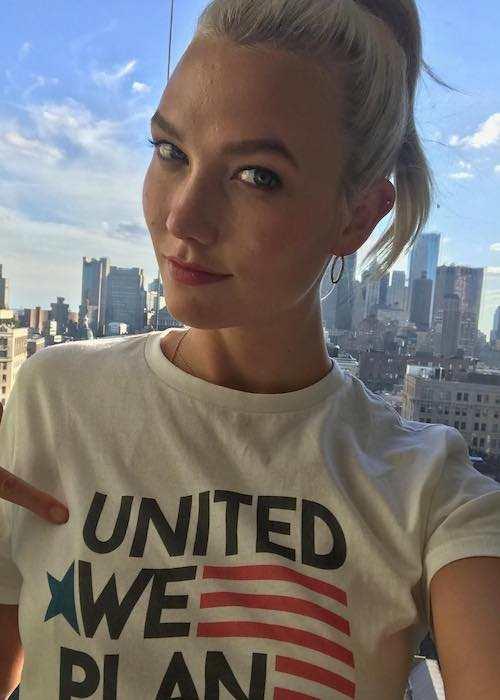 Karlie Kloss in an Instagram selfie promoting Planned Parenthood in August 2017