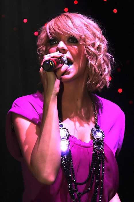 Liz McClarnon giving her performance in 2010