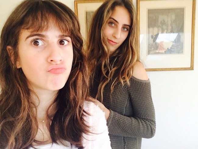 Maya Jade Frank with sister Tehya Rose in a selfie in September 2016