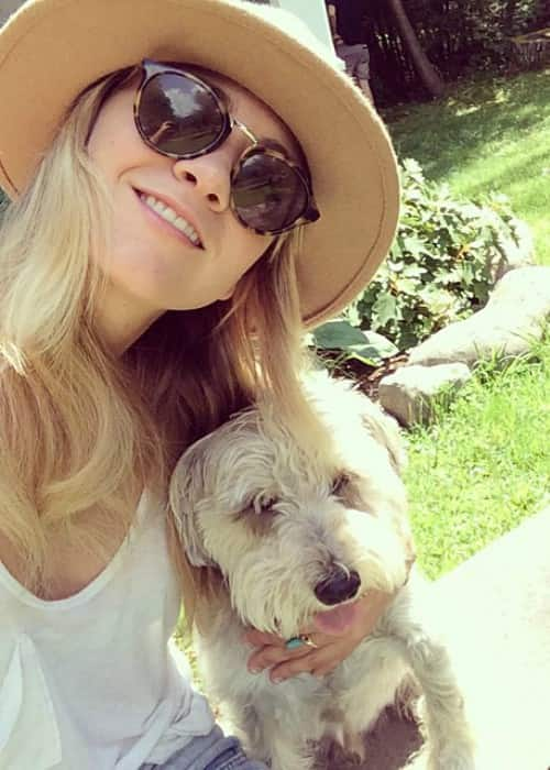 Meredith Hagner in a selfie with her dog in August 2014