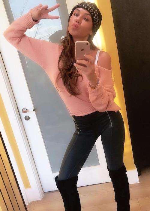 Michelle Heaton in a selfie in December 2017