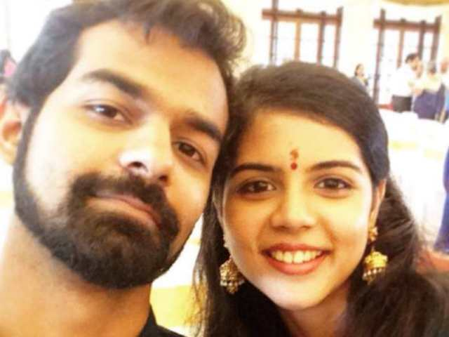Pranav Mohanlal and Kalyani Priyadarshan in an Instagram selfie
