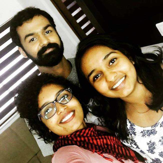 Pranav Mohanlal and friends in an Instagram selfie