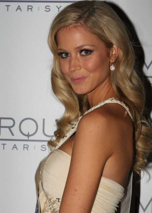 Renae Ayris Appearing at the Star Casino as Miss Universe Australia in Sydney in June 2012